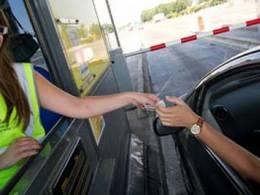 Autoroutes : l'Assemblée vote un tarif réduit pour les véhicules propres et les covoitureurs