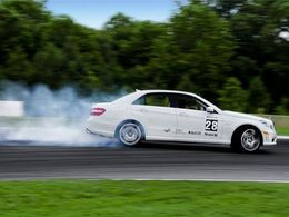 Mercedes va tenter de battre le record du plus long drift du monde !