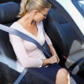 Une ceinture de sécurité conçue pour les femmes