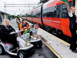 Privés de train, ils parcourent 500 kilomètres en chaise roulante