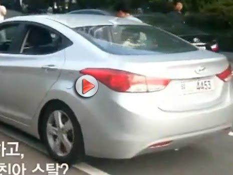 [Vidéo] La nouvelle Hyundai Elantra surprise sur un parking