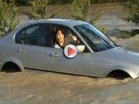 [Vidéo] Une BMW Serie 3 au bord de la noyade