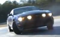 [Vidéo]: Un drift de 2 Km en Mustang !