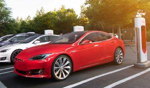 Tesla va doubler le nombre de superchargers en 2017