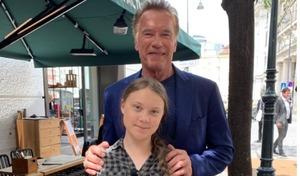 Arnold Schwarzenegger a proposé une Tesla Model 3 à Greta Thunberg