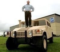 Un Hummer H1 en matériaux composites : 400 kg de moins !