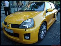 La photo du jour : Renault Clio V6