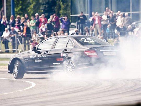 Record du plus long drift : Mercedes l'a fait (vidéo)