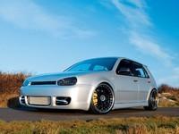 VW Golf 4 full prépa : Du frein, et des chevaux