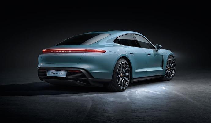 Porsche bientôt face aux Tesla Model 3 et BMW i4 ?