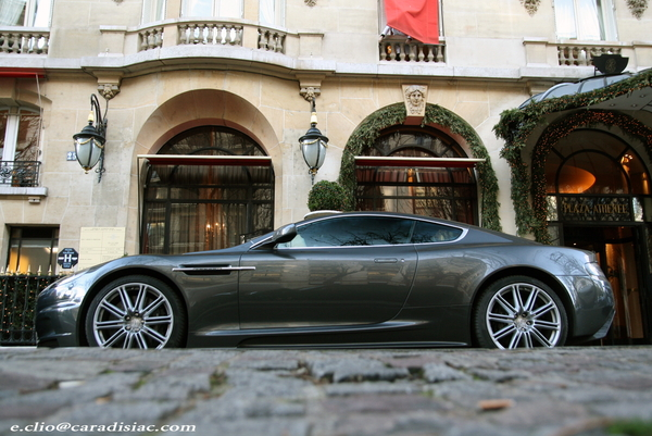 Photos du jour : Aston Martin DBS