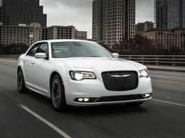 En 2014, le groupe Fiat Chrysler Automobiles a retardé 12 modèles