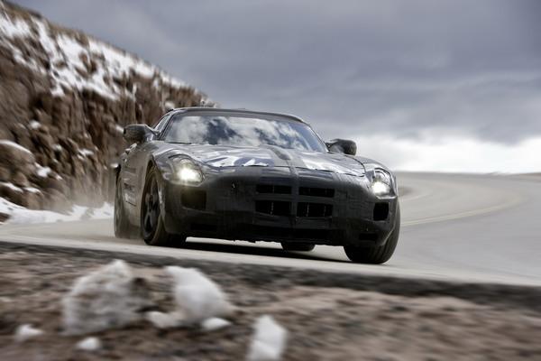 Futur Mercedes SLS AMG : ses dessous officiellement dévoilés