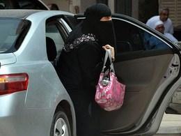 Les femmes saoudiennes demandent à Hillary Clinton son soutien dans leur combat pour le droit de conduire