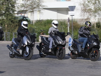 Comparatif 125 - Yamaha X-Max/Peugeot Pulsion/Honda Forza : bataille royale
