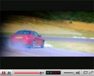 Vidéo: Tiff fume la BMW M3