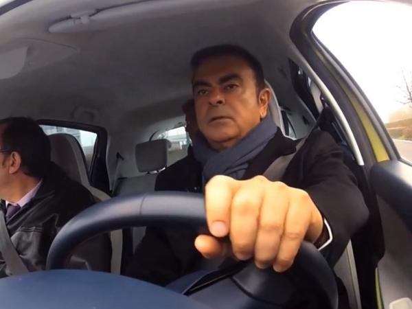 Renault : Carlos Ghosn au volant d'une Zoe semi autonome