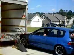 [Vidéo] Le FAIL ultime du chargement de véhicule sur camion