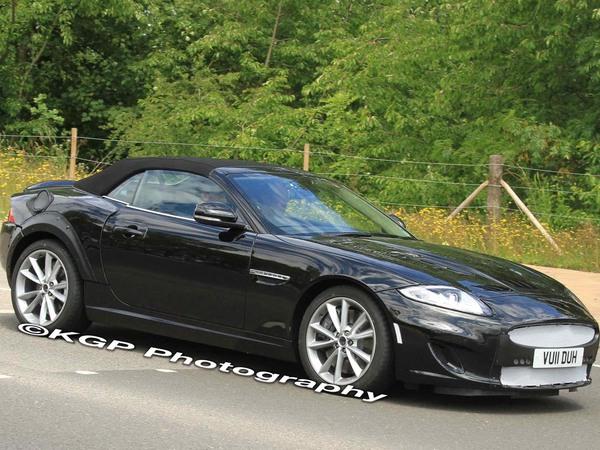 Surprise : le mulet de la future Jaguar XE