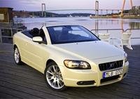 Volvo C70 First Edition et Premium Edition : pour l'été