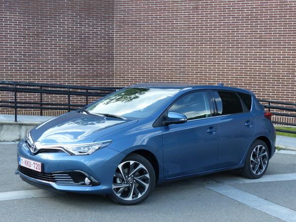 La Toyota auris restylée arrive en concession : grosse mise à jour