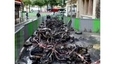 Actualité - Fait divers: Paris brûle-t-il pour les scooters ?