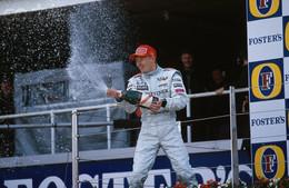 Révolution en F1 : le champion 2009 choisi au nombre de victoires !