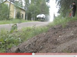 [vidéo] WRC Finlande : Hirvonen saute, saute, saute