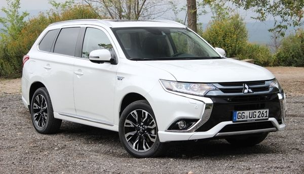 Mitsubishi: le prochain Outlander serait un cousin du Nissan X-Trail
