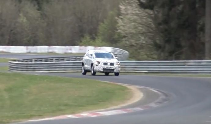 le volkswagen t roc s 39 attaque au n rburgring. Black Bedroom Furniture Sets. Home Design Ideas