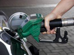 Après la décision de l'AIE, Eric Besson demande aux pétroliers de baisser leur prix