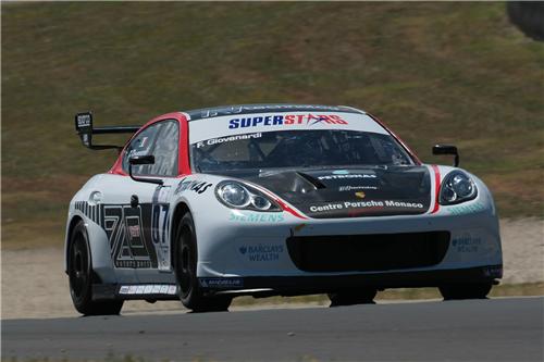 S0-La-Porsche-Panamera-debute-en-competition-59203