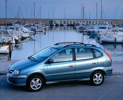 Nissan Almera Tino :   Sans fioriture… et sans souci !