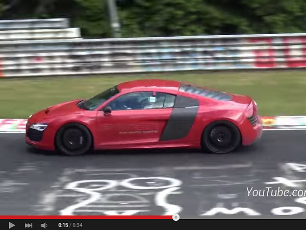 Surprise : l'Audi R8 e-tron crisse sur le Ring