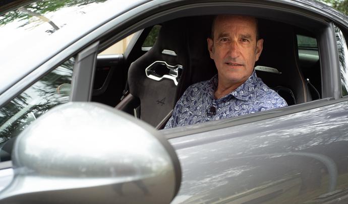 L'auto des voisins - Près de Lyon, Frédéric n'aime pas les voitures mais adore son Alpine