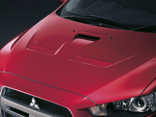 Mitsubishi Lancer Evo X: officielle (35 photos HD)