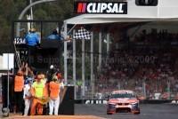 V8 Supercars: Whincup débute la saison par une victoire à Adélaïde !