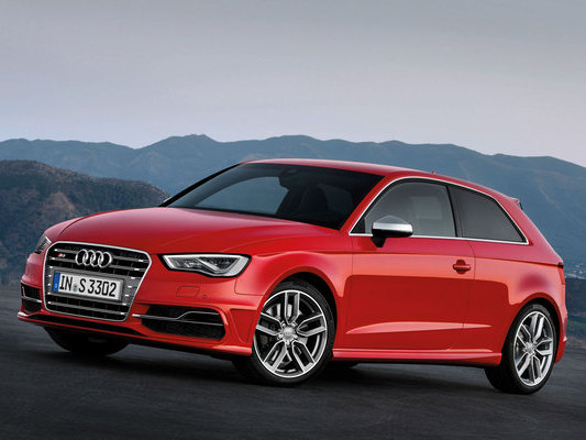 Mondial de Paris 2012 : 10mn de vidéo avec l'Audi S3