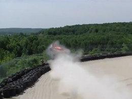 [vidéo] The Flying Camaro à Road America, un spectacle d'acrobatie avec son et fumée