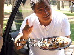 Vidéo : ne laissez pas votre enfant dans une voiture en plein soleil... ou il pourrait cuire comme une pizza