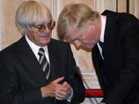 Max Mosley et Bernie Ecclestone main dans la main