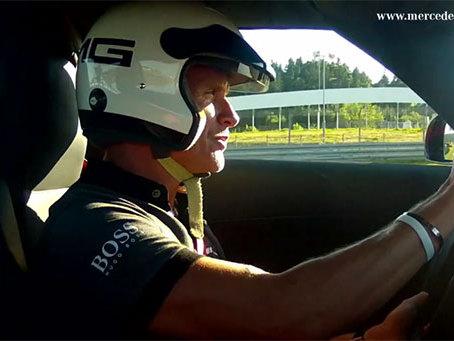 (Vidéo) David Coulthard au volant de la Mercedes SLS AMG GT