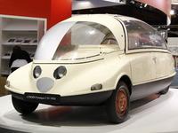 Vidéo en direct de Rétromobile 2014 - Le prototype C10, la Coccinelle de... Citroën