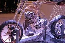 Actualité moto - Sportives: Le trois cylindres vu à l'Intermot annonce-t-il la fin des quatre cylindres chez Yamaha ?