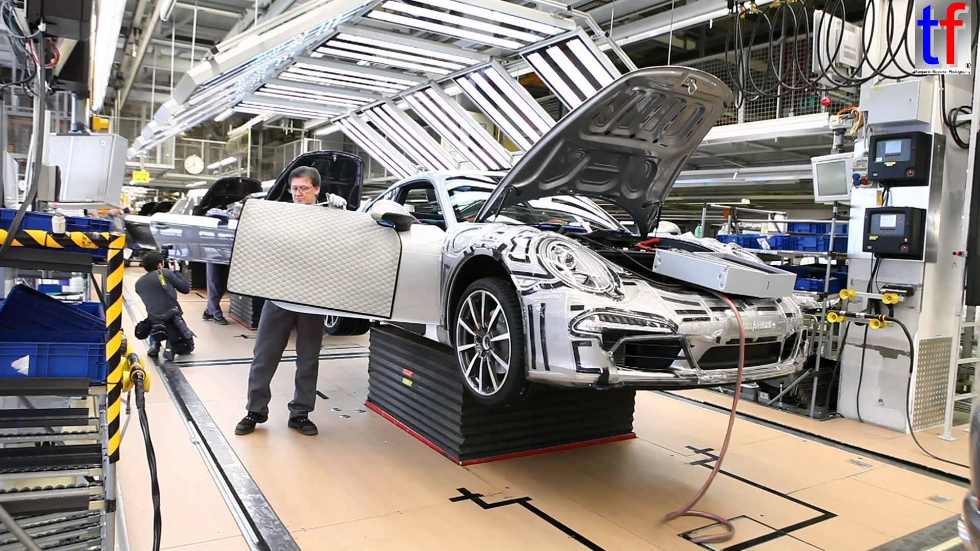 Porsche Pr 233 Voit Des Ajustements En Production Dans Le