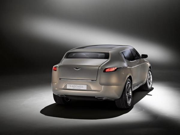 Aston Martin: un SUV sur base Mercedes en 2017?