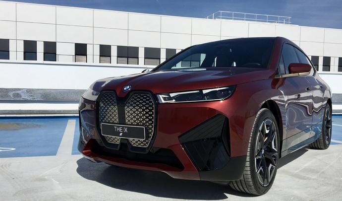 Présentation - BMW iX (2021) : le nouveau fer de lance bavarois
