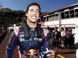 Ricciardo remplacerait Karthikeyan chez HRT