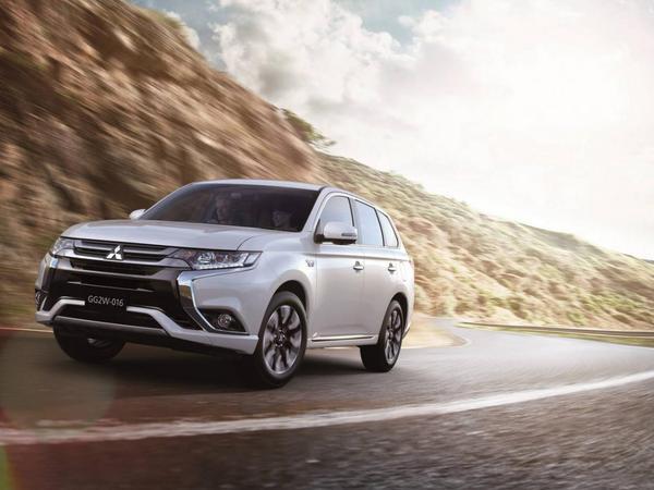 Le Mitsubishi Outlander PHEV reçoit un restylage et franchit les 40 000 unités en Europe