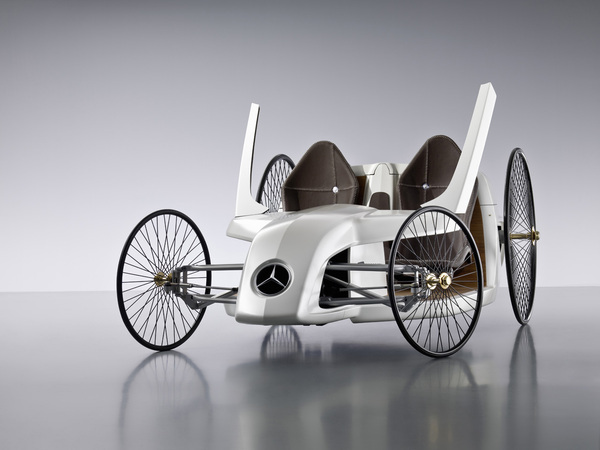 Mercedes F-CELL Roadster : (très) néo (très) rétro